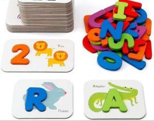 لعبة الحروف والأرقام الخشبية